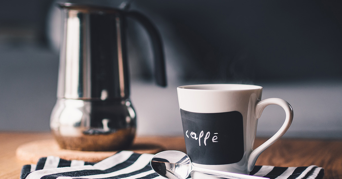 Cafetière avec tasse